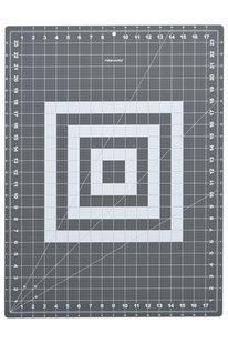 GOO P 1011 FISKARS PODLOŽKA PATCHWORK 45X60 CM